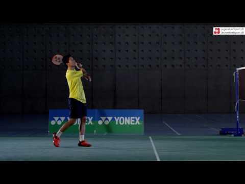 Badminton: Aufschlag Vorhand lang (seitlich)